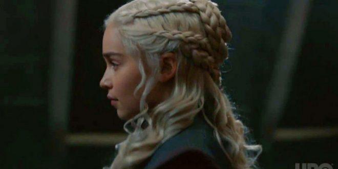 """Откриено скриеното значење на плетенките на Денерис: Фановите на """"Game of Thrones"""" останаа шокирани од детаљот кој го пропуштиле"""