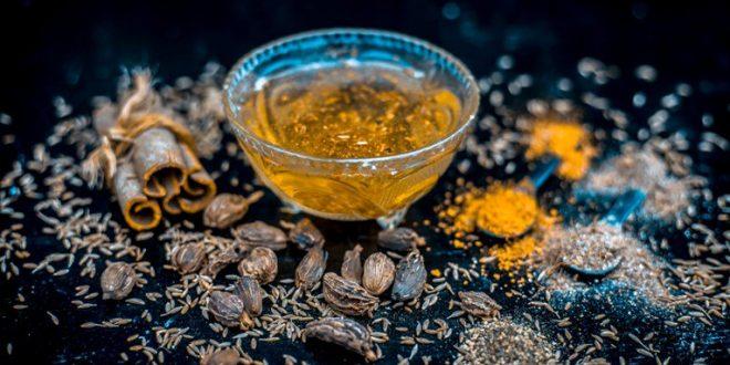 (Рецепт) Сите зборуваат за необичниот напиток кој наводно помогнува во топење на килограмите!
