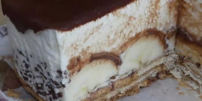 (ВИДЕО) Банана крем колач: Брз летен десерт без печење!