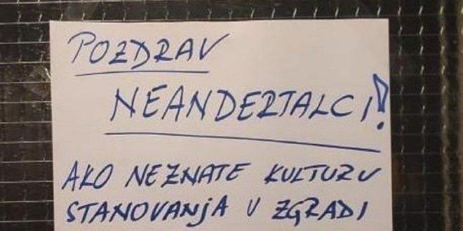 """(ФОТО) СЕКАДЕ Е ИСТО – Порака на соседите во Сплит станала хит на Фејсбук:""""Поздрав неандерталци…"""""""