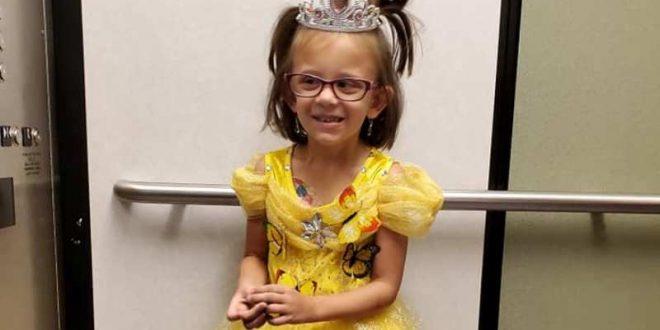 (ФОТО) ИНСПИРАЦИЈА ЗА ДРУГИТЕ ДЕЦА: Девојче за секоја хемотерапија се облекува како една од принцезите на Дизни