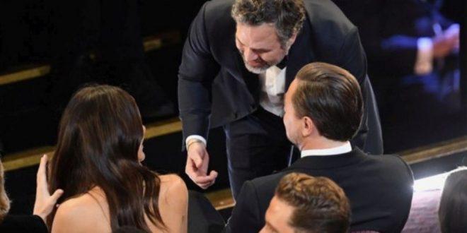 (ФОТО) Славниот холивудски ерген тајно се оженил: Девојката му е бремена!?