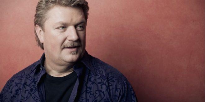 Од корона вирус починал американски пејач: Пред два дена открил дека е заразен