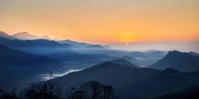 (ФОТО) Прекрасни призори од Индија: Поради помалата загаденост Хималаите се гледаат првпат после 30. години