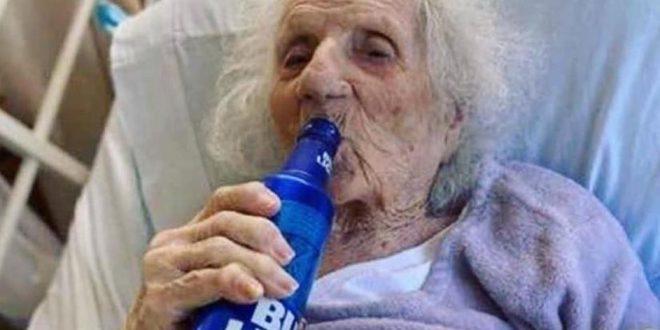 (ВИДЕО+ФОТО) ПОБЕДИЛА – Баба (103) ја победила корона па наздравила со ладно пиво!
