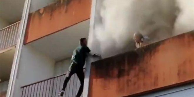(ВИДЕО) ХРАБРОСТ СРЕДЕ ПАНДЕМИЈА: Старец, на неверојатен начин, спасен од пожар во Париз