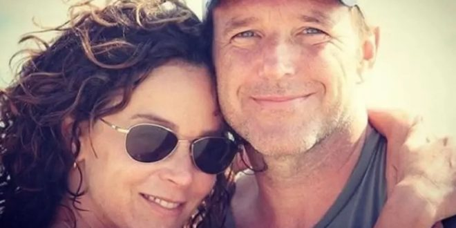 """(ФОТО) По 19 години брак , се разведува ѕвездата од """"Валкан танц"""": """"Плачеме додека ова го објавуваме!"""""""