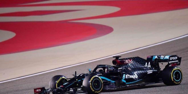 (ВИДЕО) Победата на Хамилтон во Бахреин во сенка на несреќата на Грожан