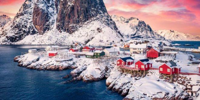 (ФОТО) Острови во Норвешка кои како да се од друга планета