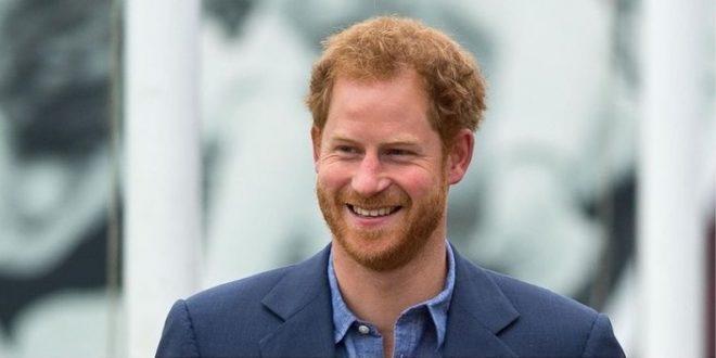 (ФОТО) НИШТО НЕ РЕШИЛ: Принцот Хари се вратил во Калифорнија и тоа еден ден пред 95. роденден на кралицата!
