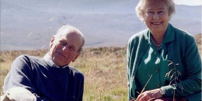 (ВИДЕО+ФОТО) Кралското семејство објавило комеморативно видео за принцот Филип