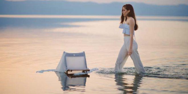 """(ВИДЕО) Македонската естрада доби одлична пејачка: Сара Гигова ја промовира својата прва авторска песна """"Ладно лето"""""""